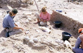 Dr Henrikke Kiesewetter (centre) and colleagues on the excavation at Jebel Buhais (Photograph by Dr Mark Beech)