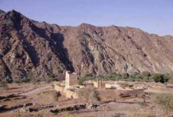 The summer palace of Sheikh Abdullah bin Hamdan al-Sharqi, Wadi Hayl, Fujairah (Photograph by Dr Mark Beech)